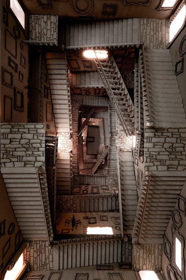 墨爾本學生手作《哈利波特》霍格華茲魔幻樓梯、消失的密室等8大創意紙雕建築1