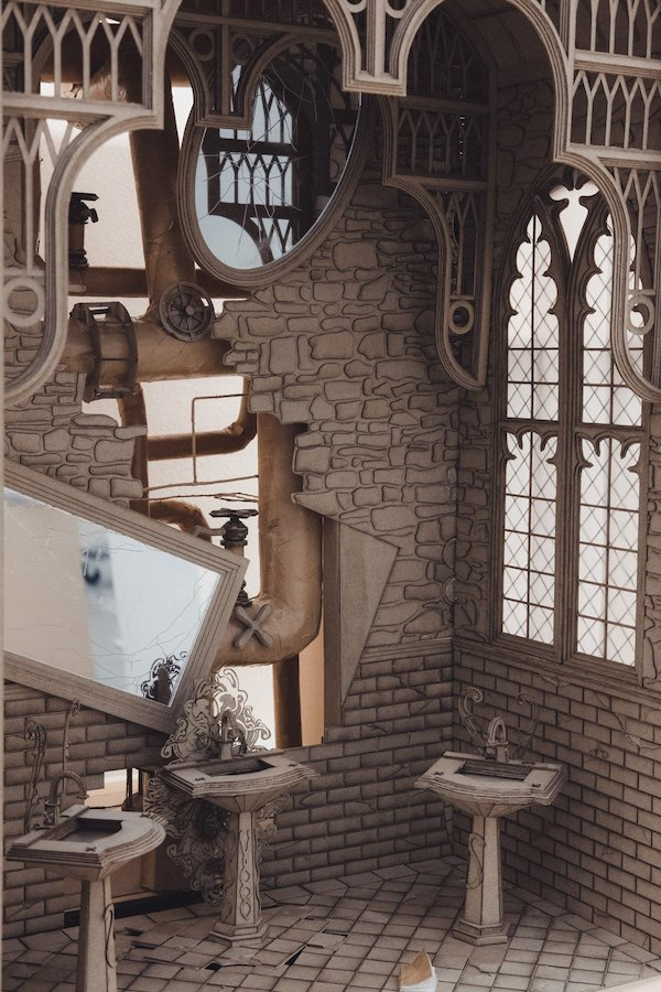 墨爾本學生手作《哈利波特》霍格華茲魔幻樓梯、消失的密室等8大創意紙雕建築2